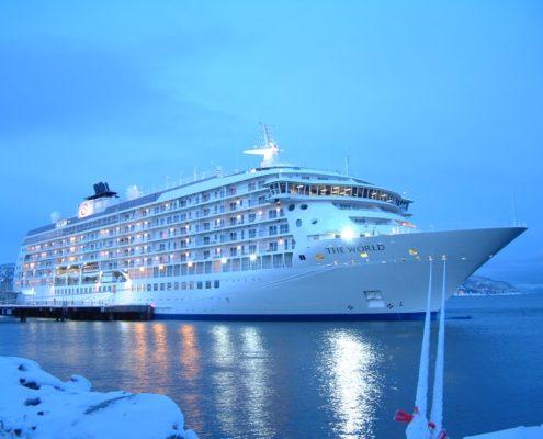 Cruise-ship-furniture